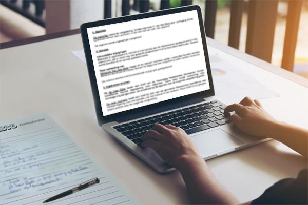 Examenbureau LSSO | Notuleren met laptop | Wijziging examenvoorwaarden en slagingsnormen